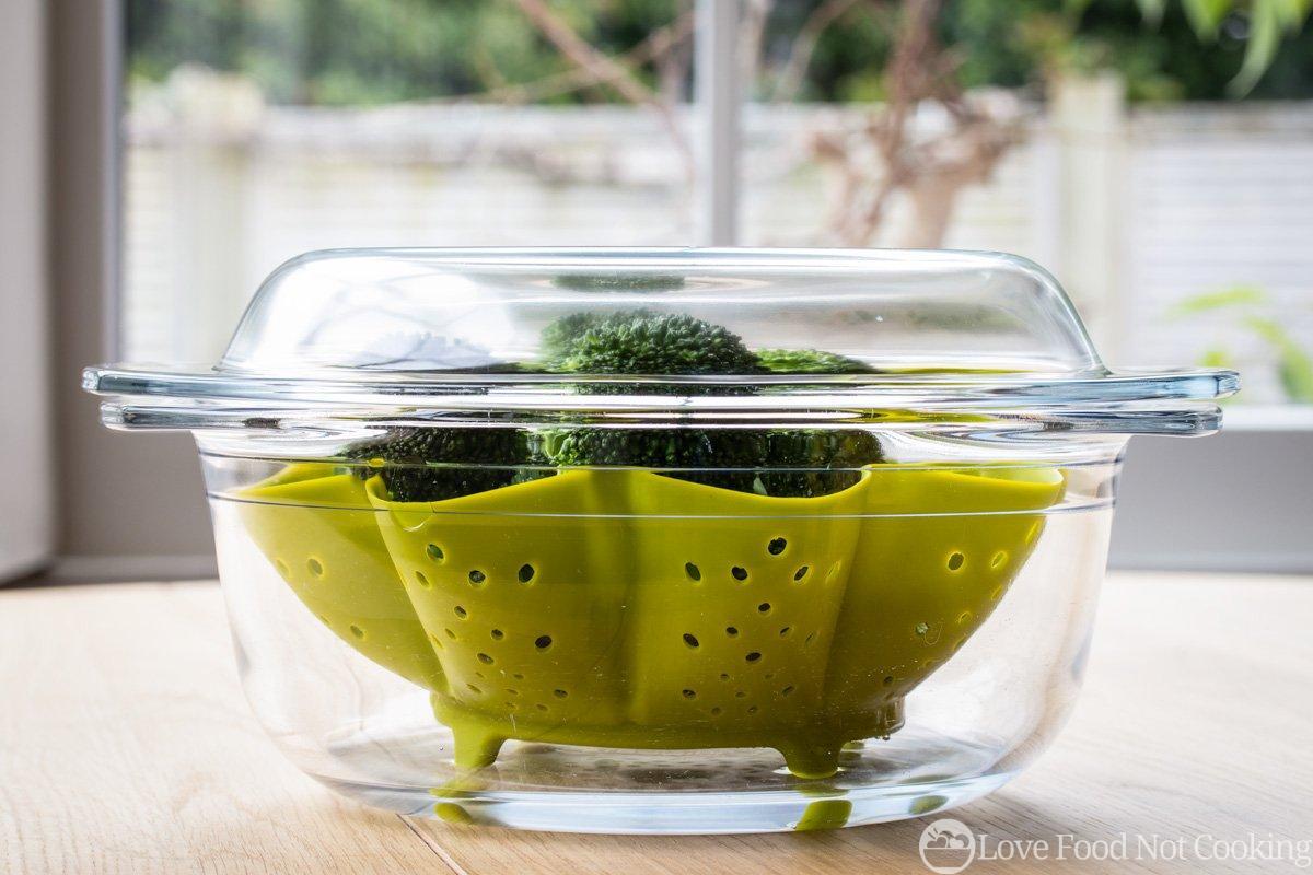 Broccoli in glass microwave bowl