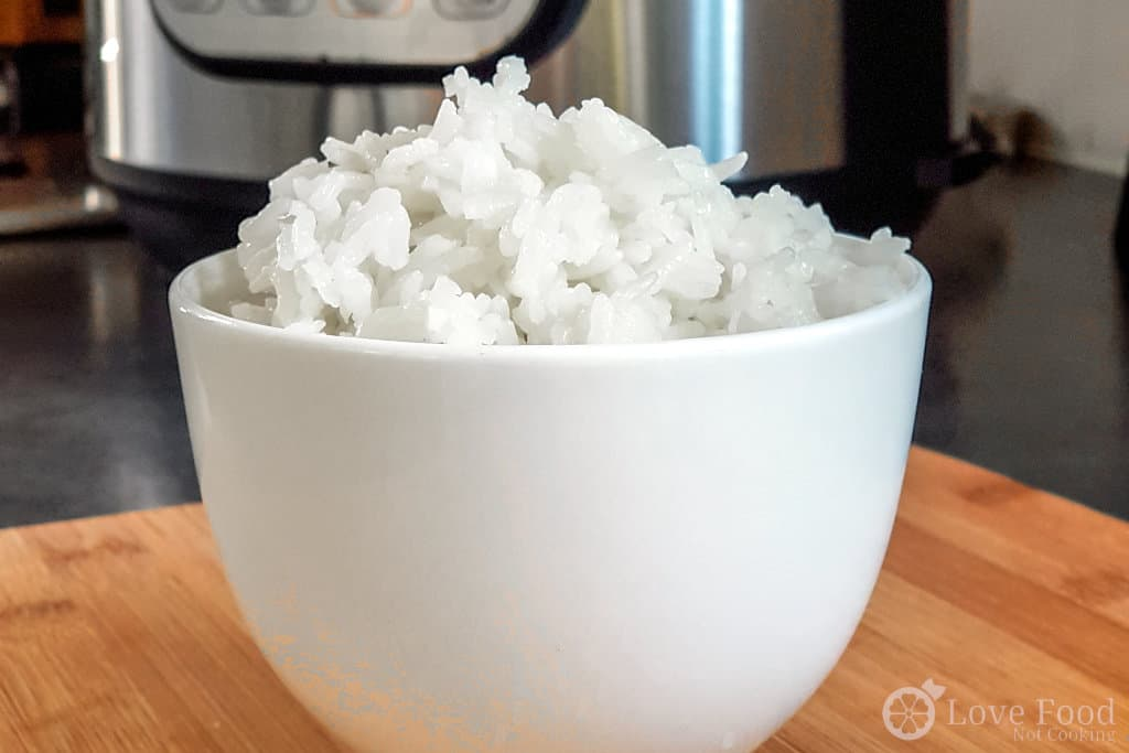 Instant Pot Jasmine Rice in a white bowl