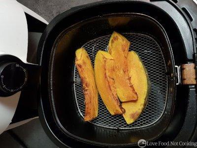Air fryer roasted pumpkin