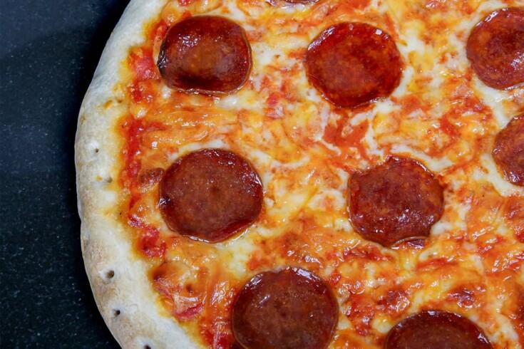 Air fryer frozen pizza