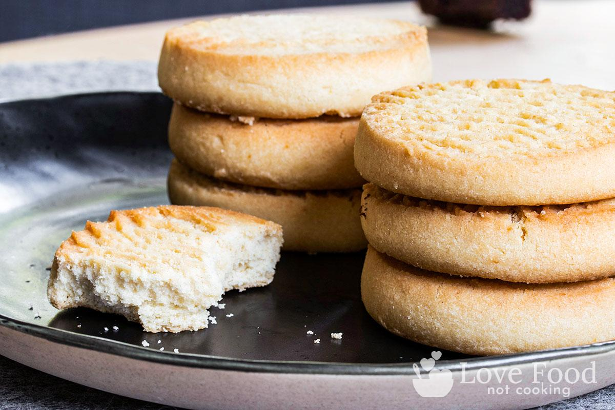 Air fryer butter cookies on a black plate